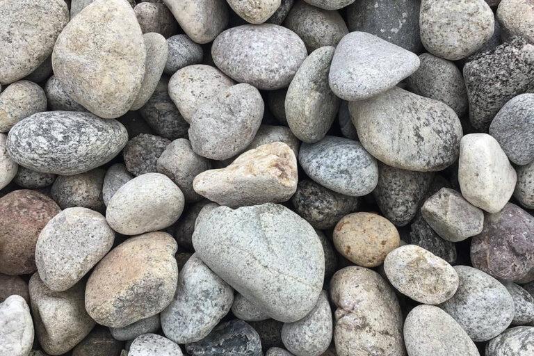 Salt & Pepper river rock 2-4in