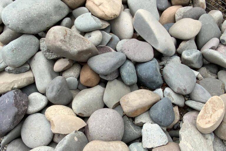 "Mesa Gray river rock 3-6"""